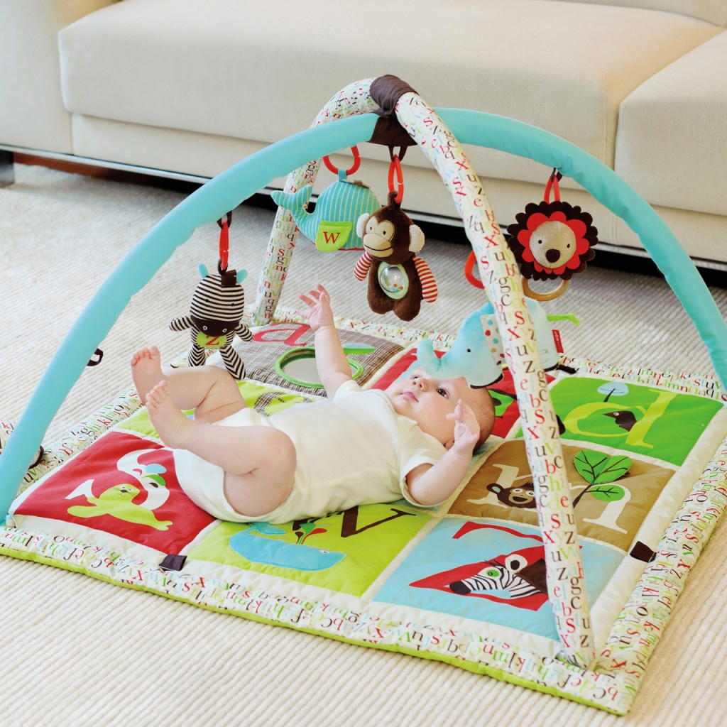 developmental benefits of using a baby play mat - babyplaymat