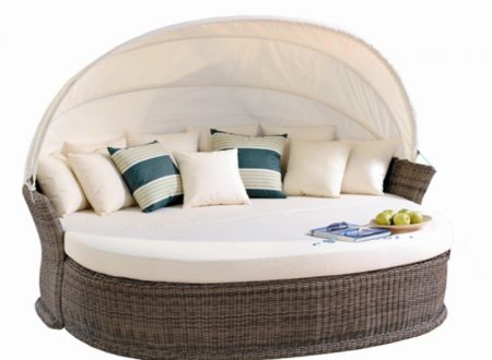 Things to consider Before Buying an Outdoor Day Bed