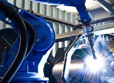Robot Welding Vs Manual Welding – What Are The Advantages?