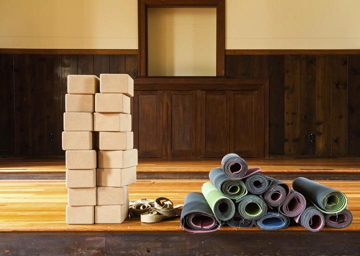 yoga supplies online