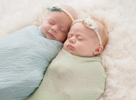 What are Baby Swaddles and the Benefits of Swaddling