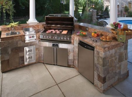 The Advantages of Built-in Barbeques Over Standalone Grills